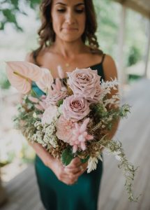 love, hope, flowers, rustic, wedding, country, wedding, destination, wedding, barn, wedding, quicksand, roses, toffee, roses, pampas, grass,