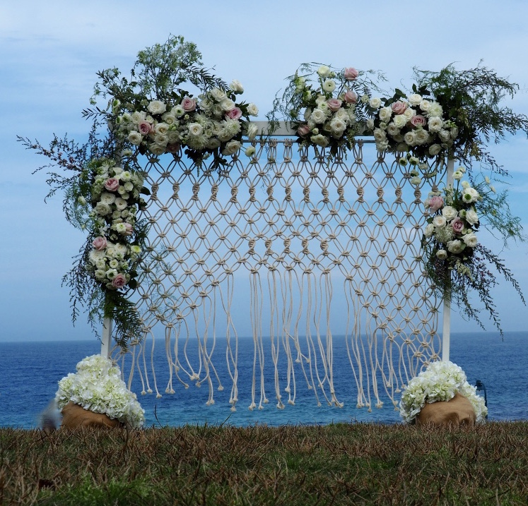 love, hope, flowers, lhflowers, wedding flowers, flowers, Sydney, Sydney florist, white, flowers, white, king, proteas, long, lasting, flowers, tulips, native, flowers, flannel, flowers, roses, wedding, reception, bronte, beach, macrame