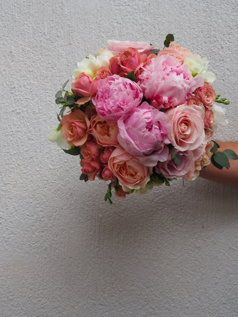 love, hope, flowers, lhflowers, wedding flowers, flowers, Sydney, Sydney florist,  pink, peony,  apricot, roses, brides , bouquet,  palm, beach, wedding, northern, beaches, fragrant, roses,